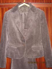 Продам женский вельветовый костюм